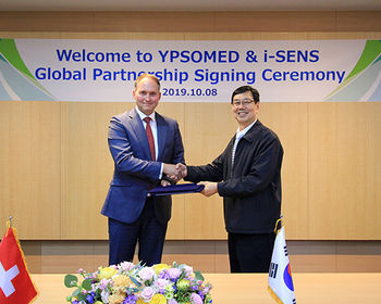 Ypsomed and i-SENS global partnership signing ceremony